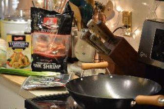 shrimp getting ready to tempura_small