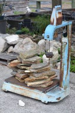Weighing_the_slate_stones._small