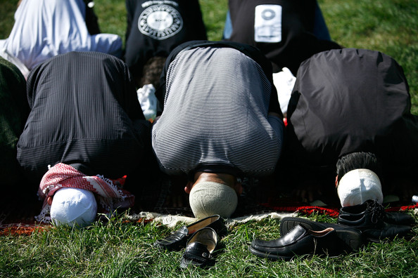Muslims+Hold+Day+Prayer+Capitol+Hill+3_Ogto1qrBtl