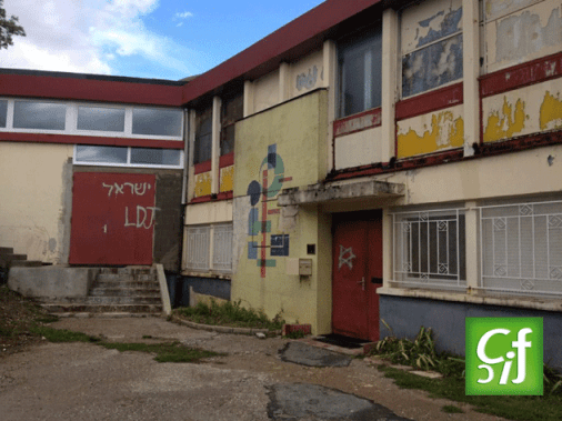Vandoeuvre-mosque-graffiti