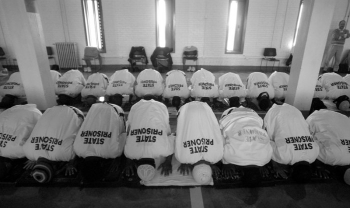 muslim_inmates-e1372404796450