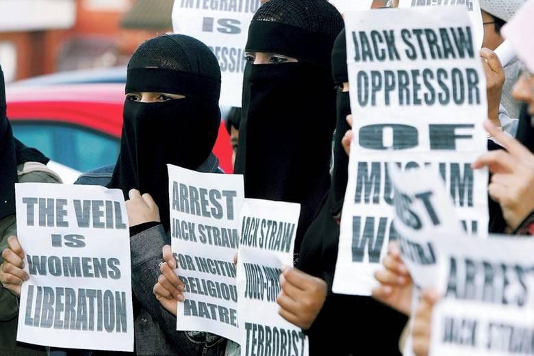BRITAIN-POLITICS-ISLAM-WOMAN-STRAW+-muslim_tittel