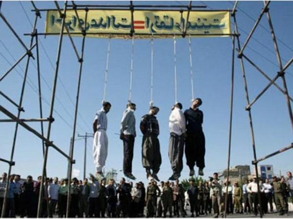 Gays siendo ahorcados en Irán