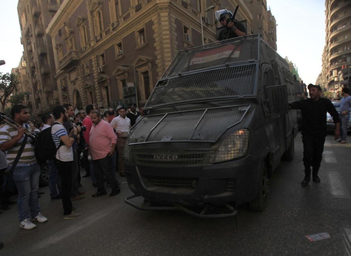 Riot police enforce anti-pro-Morsi demonstration law