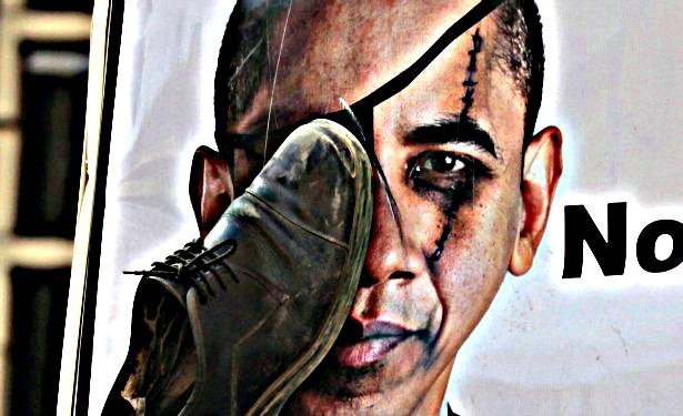 ObamaShoe-vi