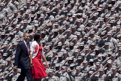 Army-Saluting-Barack-Obama