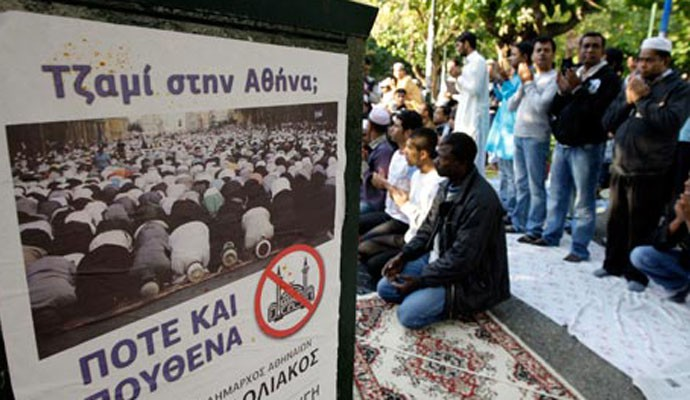 muslims-in-athens-pray-be-007