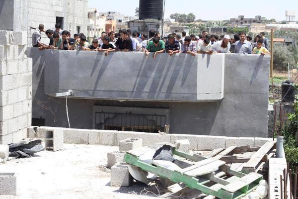 After we fired a warning shot at this target, Hamas ordered civilians to form a human shield on the roof.