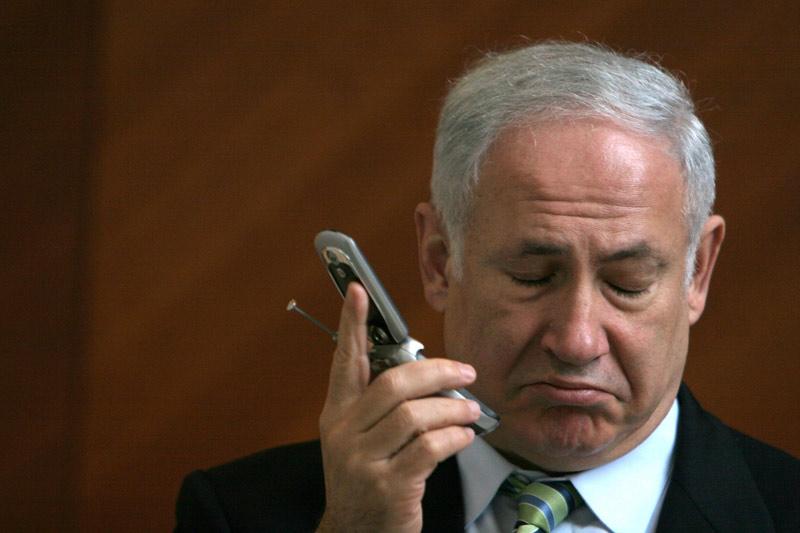 netanyahu-phone-1