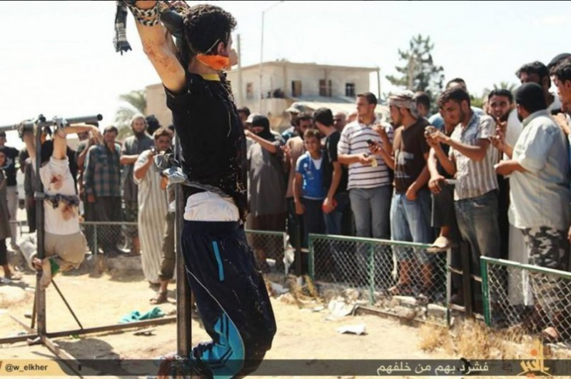 isis-crucify-youth-1