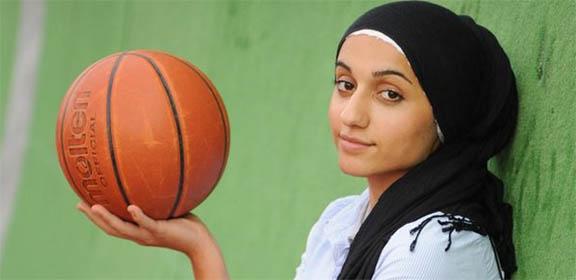 DISCRIMINATION-hijab-basketball-2