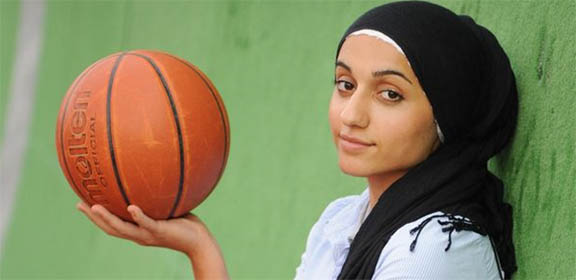 DISCRIMINATION-hijab-basketball-2