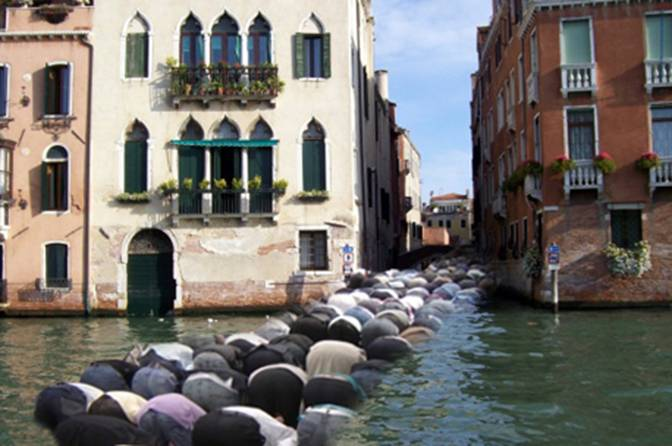 The city of Venice won't allow mosques so Muslims must pray in the street. 578 have drowned so far.