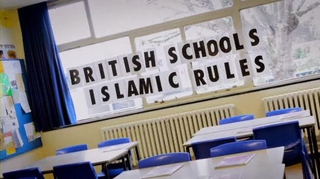 Panorama - British Schools, Islamic Rules.WnA.avi_000083800