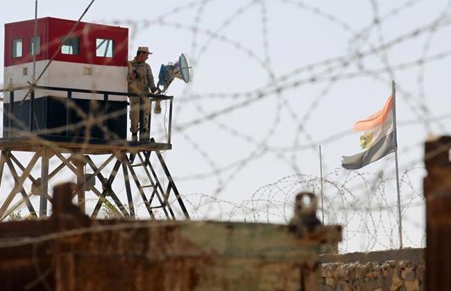 Egipcios que custodiaban la frontera con Gaza
