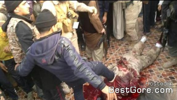 isis-executes-soldier-fallujah-07