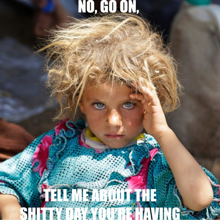 """De pelo rubio, de ojos azules niñas yazidi están siendo violada y embarazada por ISIS con el fin de diluir el gen """"blanco"""" en ellos"""