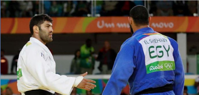 Egyptian-judoka-refuses-to-shake-Israelis-hand