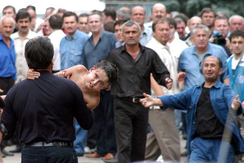 beslan-school-hostage-crisis-masscare-2004-1-e1410213535337