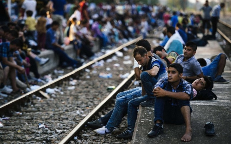 image-adapt-990-high-migrants_balkans_platform-1441385696541