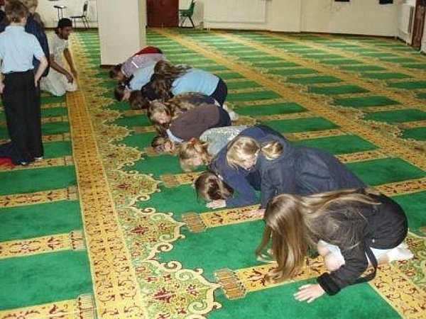Image result for pics of german school children at mosque