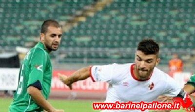 Bari-Cosenza, Coppa Italia. Monachello in azione (suo l'unico gol dei galletti lo scorso anno)