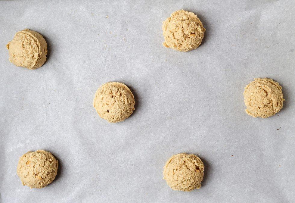 balls of peanut butter cookie dough before baking