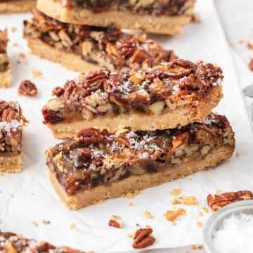 close up of pecan pie cookie bars