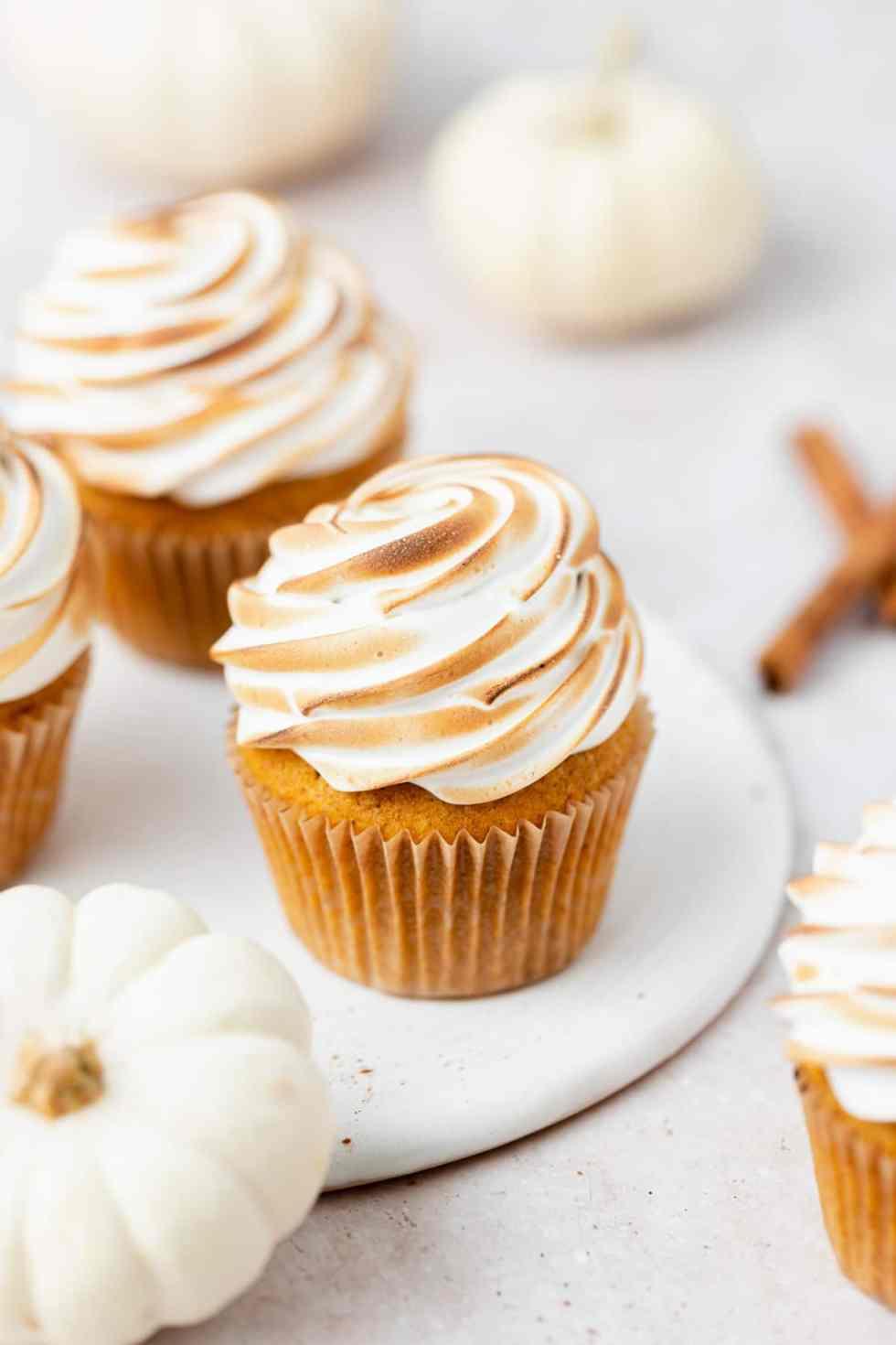 brown butter pumpkin meringue cupcakes