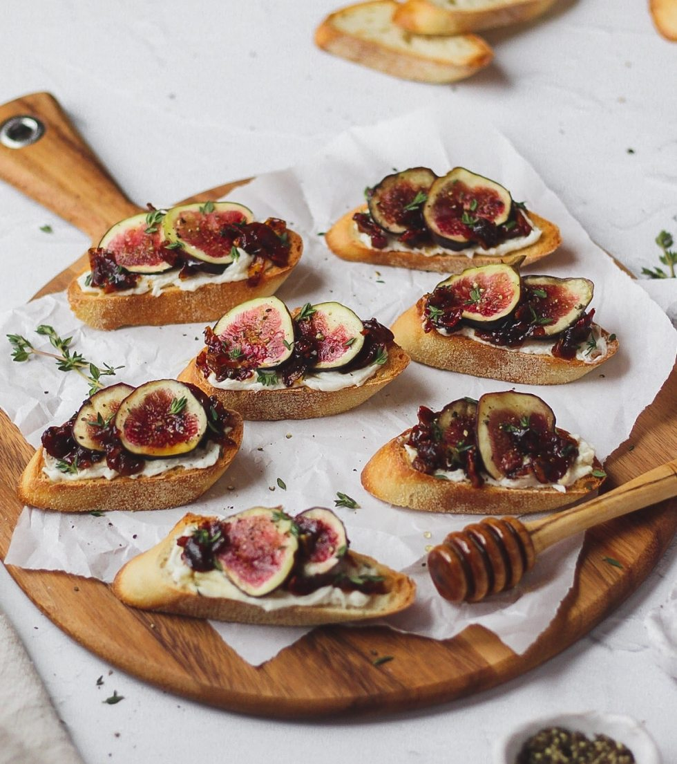 fig and homemade bacon jam crostini with goat cheese, honey, and thyme