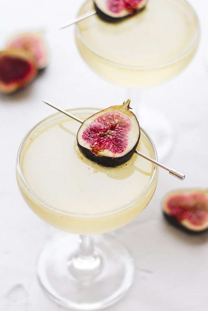sparkling fig cocktail with champagne