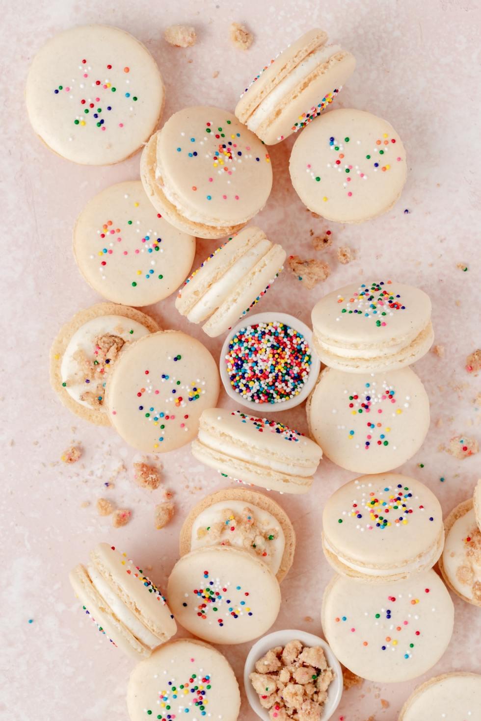 birthday cake macarons with funfetti sprinkles