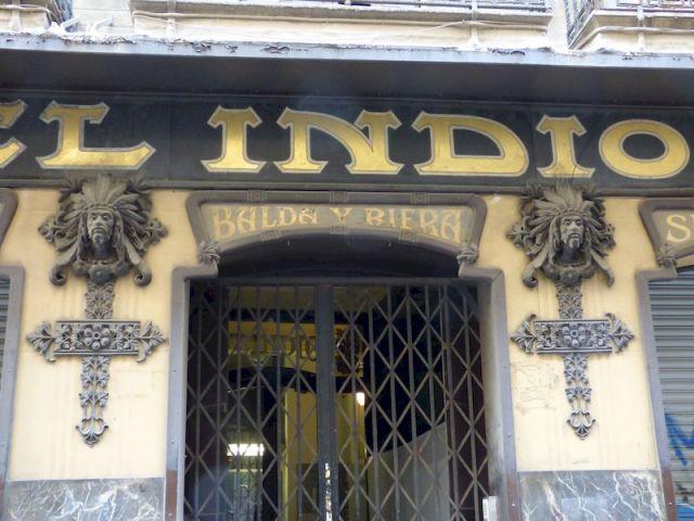 entrada con 2 indios