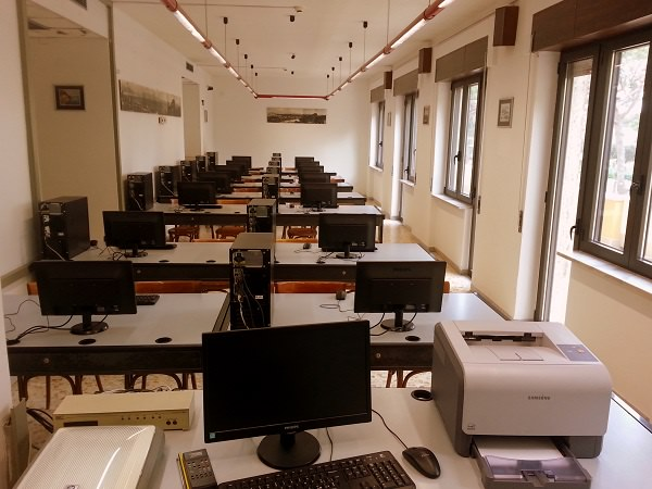 aula-informatica_isituto_denza