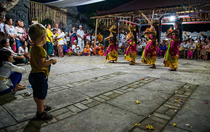 Balinesisk dans