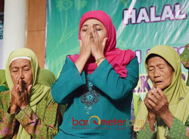 KUTUK TEROR BOM: Cagub Khofifah Indar Parawansa mengutuk keras teror bom di Surabaya, serta mendesak aparat mengusut otak serta jaringannya secara tuntas dan obyektif.   Foto: Barometerjatim.com/DOK