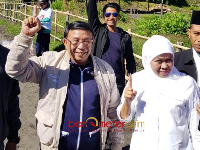 TOTAL BANTU KHOFIFAH: Haji Masnuh saat mendampingi Khofifah Indar Parawansa kampanye di Pilgub Jatim 2018. | Foto: Barometerjatim.com/ROY HASIBUAN