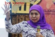 SEMINAR NASIONAL: Khofifah saat mengisi seminar nasional di Universitas Muhammadiyah Sidoarjo, Sabtu (1/9). | Foto: Barometerjatim.com/MARJAN AP