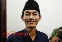 RIBUAN DPT GANDA: Miftahul Badar, Bawaslu rekomendasi ribuan DPT ganda dan TMS agar dicoret KPU Lamongan. | Foto: Barometerjatim.com/HAMIM ANWAR