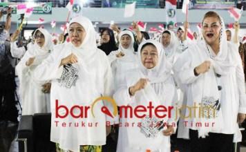 TOTALITAS KHOFIFAH-JKSN: Khofifah dan JKSN, bergerak di dalam dan luar negeri untuk memenangkan Jokowi-Kiai Ma'ruf Amin di Pilpres 2019.   Foto: Barometerjatim.com/ROY HASIBUAN
