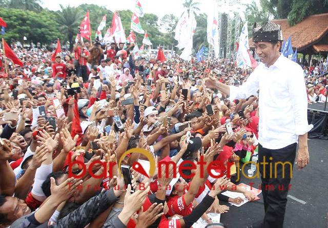 Jokowi kampanye akbar di Banyuwangi, Senin (25/3/2019). | Foto Barometerjatim.com/marjan ap