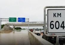 Tol Madiun ikut diterjang banjir akibat intensitas hujan yang tinggi. | Foto: Ist