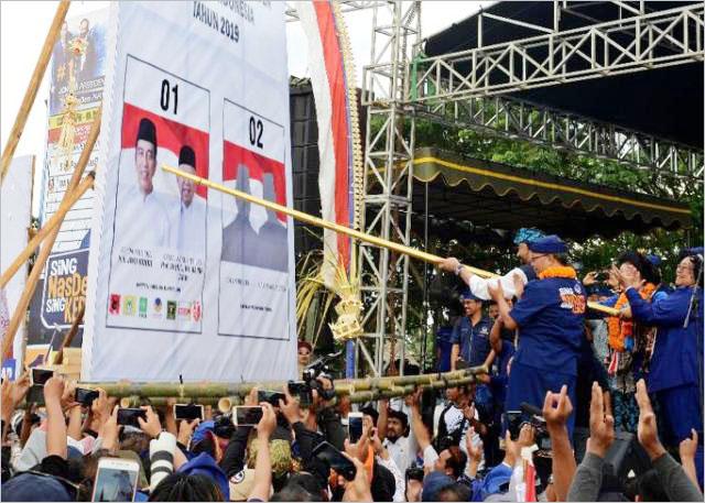 Simulasi coblosan saat kampanye di Stadion Gunung Agung, Karangasem, Bali, Minggu (7/4/2019). | Foto: Ist