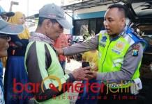 Aipda Purnomo, jualan Pohon Bidara untuk bantu pengobatan warga. | Foto: Barometerjatim.com/hamim anwar