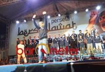 Aji Santoso saat launching tim Persela untuk Liga 1 2019. | Foto: Barometerjatim.com/dani iqbaal