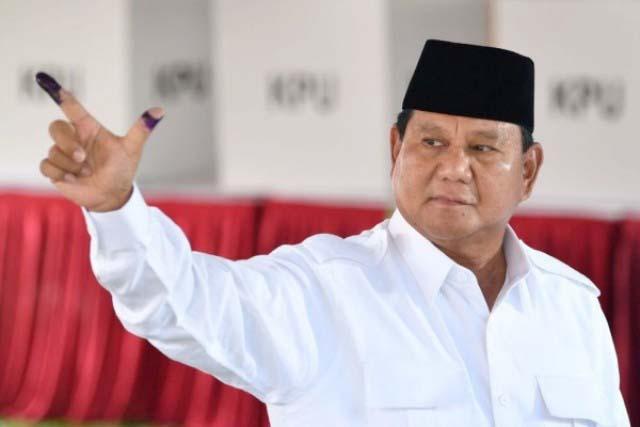 Prabowo Subianto, hari akan berbuka puasa bersama pendukungnya di Surabaya. | Foto: Ist