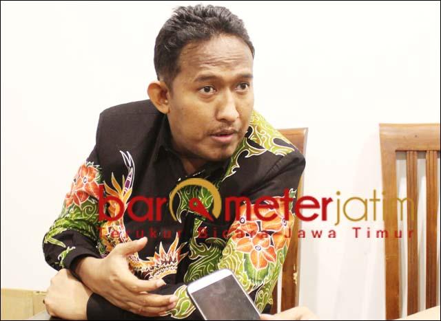SAATNYA MOVE ON: Achmad Fauzi ingatkan kader PDIP penolak putusan DPP saat move one. | Foto: Barometerjatim.com/ROY HS