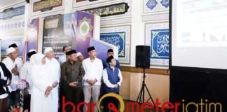 HALAL CENTER: Khofifah resmikan LPH dan Halal Center di Ponpes Bahrul Maghfiroh Malang. | Foto: Barometerjatim.com/ABDILLAH HR