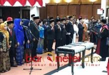 SUMPAH WAKIL RAKYAT: Pengambilan sumpah anggota DPRD Surabaya periode 2019-2024. | Foto: Barometerjatim.com/WIRA HARLIJADI