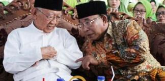 CALON ALTERNATIF PKB: Haji Masnuh (kanan) bersama Gus Sholah di acara Muslimat NU. | Foto: ROY HS